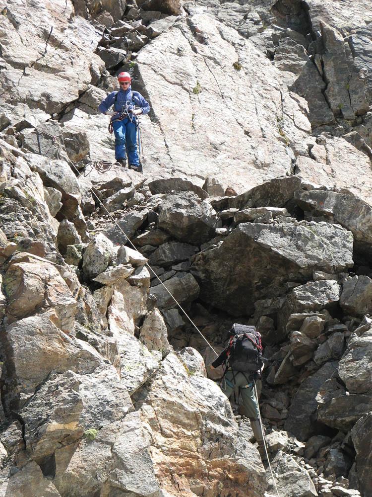 Спуск с пер. Бжедух на верхнее плато ледника Бжедух