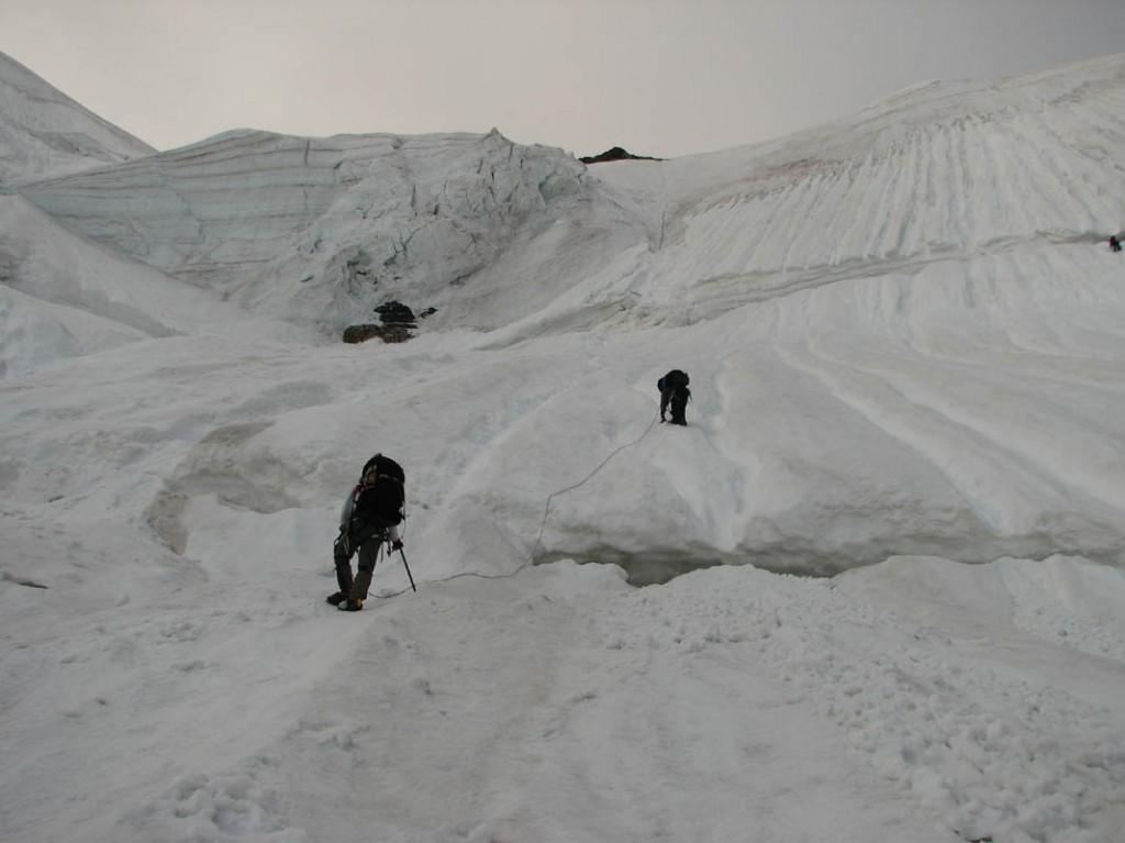 Нижний участок подъема на пер. Седло Кавказа (3А, 4050)
